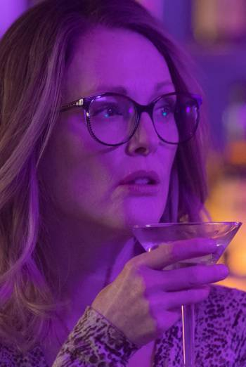 GLORIA BELL <span>(2018)</span> artwork